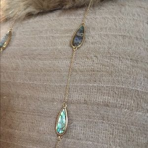 🍁Stunning🍁 Gold Necklace with Abalone Shell Look